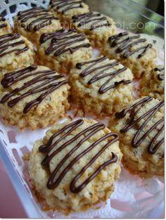 MamaFaMi's Spice n Splendour: Coconut Cookies (Biskut Kelapa)