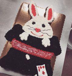 Rabbit in a magic hat, cupcake cake