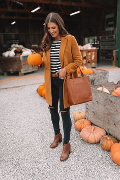 Pumpkin patch outfit striped T-shirt camel coat jcrew style autumn outfit autumn f &; Pumpkin patch outfit striped T-shirt camel coat jcrew style autumn outfit autumn f &; Cute Fall Outfits, Fall Winter Outfits, Autumn Winter Fashion, Fashion Fall, Fashion Coat, Womens Fashion, Winter Clothes, Fashion Trends, 50 Fashion