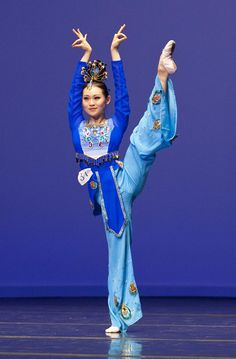 asian+dancing | Jennifer Su's dance 'Fairy of the Phoenix' (Edward Dai/The Epoch Times ...