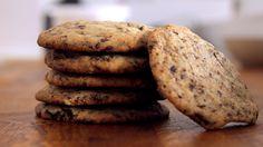 Chocolate Chip Cookies Rezept als Back-Video zum selber machen! Ganz einfach Schritt für Schritt erklärt!