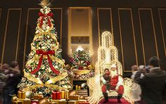 When you enter the New York lobby of the Universal City station side , authentic Christmas tree in near about 5m is welcome. Sparkling next to the tree we have established a gorgeous chair , you could enjoy photography.|The Park flont Hotel at Universal Studios Japan |#Osaka