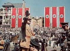 Hugo Jager was a personal photographer of Adolf Hitler. He traveled with Hitler in the years leading up to power and throughout World War II. As the war was dra Photos Rares, Nazi Propaganda, The Third Reich, Rare Photos, Military History, Ww2 History, Colorized History, Luftwaffe, Historical Photos