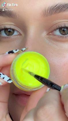 Edgy Makeup, Eye Makeup Art, Crazy Makeup, Skin Makeup, Glamour Makeup, Maquillage On Fleek, Eye Makeup Designs, Creative Eye Makeup, Make Up Tutorial