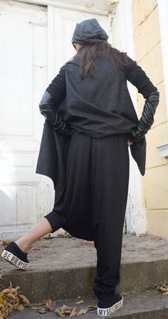Black Loose Harem Pants - METP0011  Those new pants are simply stunning! They…