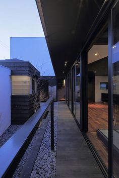 Colors / CUBO Design Architect (sliding doors that openning the garden)
