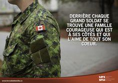 Les familles des militaires: la fierté derrière l'uniforme.