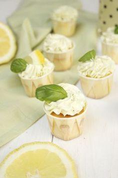 Zitrone-Basilikum-Cupcakes