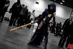 Movie: Star Wars. Character: Sith Female Warrior. Cosplayer: Chloe Warburton. 'aka' Alien Queen. From: Haywards Heath, West Sussex, UK. Event: London Super Comic Con 2014.