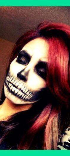 Pretty skeleton Halloween makeup for women