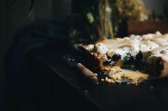 Łatwe ciasto z borówkami i pianką – White Plate Ice Cream, Desserts, Food, No Churn Ice Cream, Tailgate Desserts, Deserts, Icecream Craft, Essen, Postres