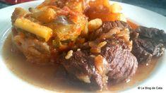 Le blog de Cata: Bœuf  bourguignon aux oignons et pommes de terre Bouquet Garni, Cata, Beef, Voici, Simple, Food, Beef Bourguignon, One Pot Meals, Onions