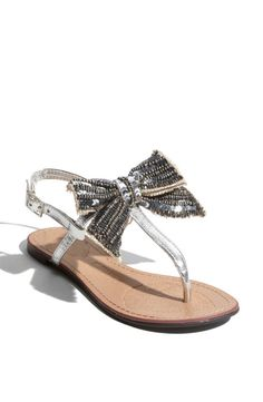 Today's pair of Cute Shoes features Naughty Monkey Dainty Sandals! Interesting brand name, and the sandals look more cute than dainty.I like the bow, even though it looks kinda big. Bow Flats, Cute Sandals, T Strap Sandals, Cute Shoes, Me Too Shoes, Pretty Sandals, Simple Sandals, Fab Shoes, Shoes Sandals