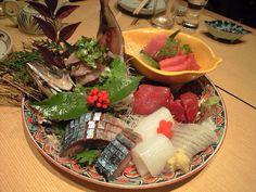 刺身 盛り付け Japanese Sashimi, Japanese Food, Asian Foods, Asian Recipes, Tasty, Yummy Food, Tempura, Hot Pot, Food Design