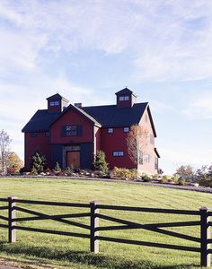 red barn home :) I would love to have a home like this....