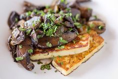 Grilled halloumi with balsamic mushrooms – Recipes – Bite