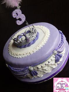 Princesita Sofia, cake Pastel, Cakes And More, Birthday Cake, Desserts, Food, Little Princess, Tailgate Desserts, Pie, Birthday Cakes