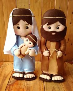 1 million+ Stunning Free Images to Use Anywhere Christmas Nativity, Felt Christmas, Christmas Ornaments, Bible Quiet Book, Diy Rag Dolls, Handmade Christmas Crafts, Sans Art, Felt Owls, Fairy Dolls