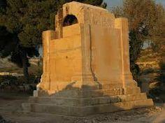Torre funeraria de San Jose. Villajoyosa romana. Reserva tus cheap vacaciones en  www.enjoyingalicante.com