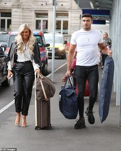 Love Island's Molly-Mae Hague and Tommy Fury beam as they step out in London – after she branded her feud with Anton Danyluk 'confusing' Uk Fashion, Fashion Outfits, Travel Outfits, Style Fashion, Love Island Outfits, Luxury Lifestyle Women, How To Look Handsome, Evening Outfits, Couple Outfits