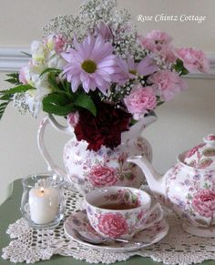Beautiful Red Roses, Pretty Flowers, Teas 6, Bar Cart Styling, China Tea Cups, Tea Cakes, Vintage China, Tea Time, Tea Party