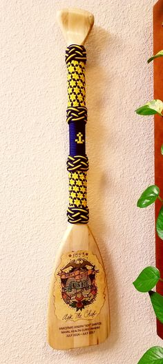 Paracord paddle by C. Wulf.