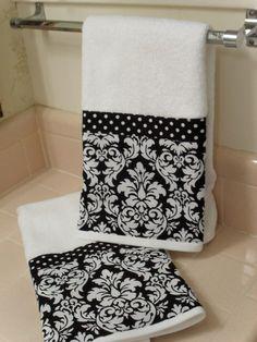 Jogo de toalha branca e preto