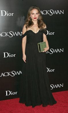 Pin for Later: Natalie Portman's Prima Ballerina Red Carpet Transformation Natalie Portman in an Off-the-Shoulder Black Gown at the 2010 Black Swan New York Premiere A full-length, off-the-shoulder gown for the NYC Black Swan premiere.