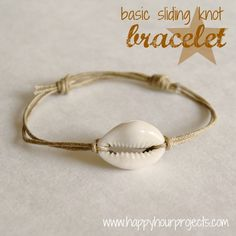 Jewelry Making Shells DIY Shell Bracelet with Sliding Knot Closure Tutorial from Happy Hour Projects here. I like this tutorial because it has a really clear explanation of the sliding knot closures you see everywhere on bracelets now. Hemp Jewelry, Seashell Jewelry, Anklet Jewelry, Jewelry Crafts, Beaded Jewelry, Handmade Jewelry, Jewelry Bracelets, Jewlery, Chain Bracelets