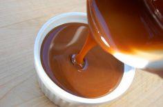 Este caramelo Noble es una locura, puedes hacerlo vegano y es igual de  delicioso. Sírvelo encima de un coffee cake, pay de manzana, marmoléalo en  unos brownies o en un postre en frasco. Dura aprox. 1 semana en  refrigeración.