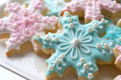 Along with that sugar cookie recipe add a little royal icing and these cookies are almost too pretty to eat! Cupcakes, Cookies Cupcake, Frozen Cookies, Sugar Cookie Frosting, Royal Icing Cookies, Sugar Cookies Recipe, Icing Recipe, Frosted Sugar Cookies, Pink Cookies