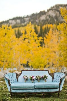 Event Styling: Michelle Leo Events   Photo: Pepper Nix Photography   Floral: Blooms & Blossoms   Vintage Couch: Big Day Vintage Rental
