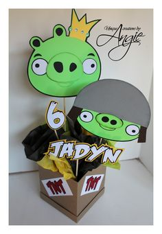 SCRAPPIN MEMORIES: angry birds centerpieces Bird Theme Parties, Bird Birthday Parties, Party Themes For Boys, Boy Birthday, Themed Parties, Cumpleaños Angry Birds, Festa Angry Birds, Bird Template, Minion Party