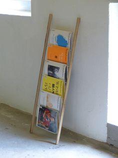 Zeitungsständer - Zeitschriftenhalter, Zeitschriftenleiter - ein Designerstück von SchwarzWeissHolz bei DaWanda ($64.00) - Svpply