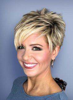 Happy New Hair! 10 wunderschöne Looks, um das neue Jahr einzuläuten - Stylish Short Haircuts, Short Pixie Haircuts, Short Hairstyles For Women, Straight Hairstyles, Celebrity Hairstyles, Hairstyles 2016, School Hairstyles, Trendy Hairstyles, Short Hair Cuts For Women Over 50