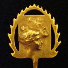 Cravat Pin Designer & Maker : René Lalique Year : 1899 - 1901