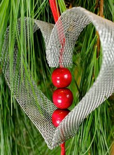 DIY Christmas Ornament Heart - fun idea for a package topper too