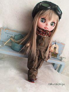 Large Eyes, Big Eyes, Blythe Dolls, Barbie Dolls, Gothic Artwork, Japanese Toys, Kawaii Doll, Gothic Dolls, Creepy Dolls