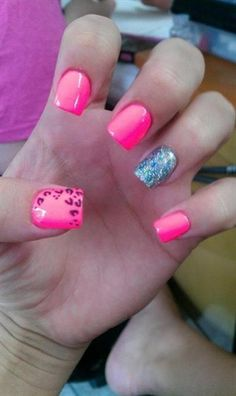 Trendy Accent nails