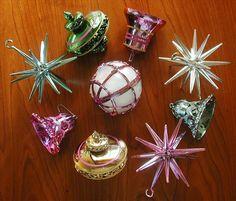 Bradford Pink Aqua Etc Vintage Plastic Christmas Tree Ornaments- we had those stars!