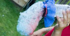 How to make a bubble snake maker and your own bubble solution. The kids will have hours of fun outside with this bubble snake maker.