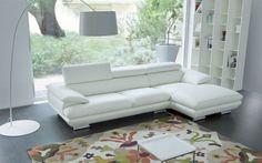 sofa góc màu trắng tinh khôi Calia Italia, Cnc, Living Room Sofa Design, Upholstered Furniture, Designer, Love Seat, Interior Design, Chair, House