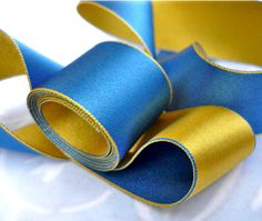 5 Yards of Cornflower and Yellow  Reversible by studioangelico