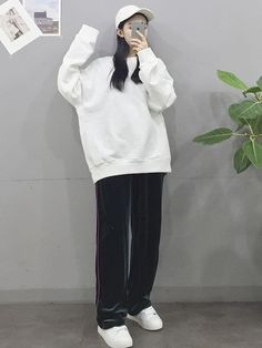 20 Tips for Who Want To Wear Business Casual Jeans Women Korean Girl Fashion, Korean Fashion Trends, Ulzzang Fashion, Korean Street Fashion, Kpop Fashion Outfits, Korea Fashion, Asian Fashion, Fashion Styles, Korean Casual Outfits