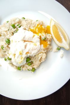 Easy Champagne Risotto recipe from Le Fork. Bubbles, poached egg, and risotto? Yes please!
