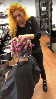 Beach Wave Perm With Olaplex – Salon InSite - Perm Hair Styles Beach Wave Perm, Body Wave Perm, Beach Waves, Using A Curling Wand, Getting A Perm, Perm Rods, Air Dry Hair, Types Of Curls, Wand Curls