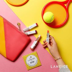Love the contrast of colours in this colour themed flat lay photo. Great idea for colourful flatlay photography. Flat Lay Photography, Still Life Photography, Color Photography, Beauty Photography, Product Photography, Flat Lay Inspiration, Flatlay Styling, Laneige, Prop Styling