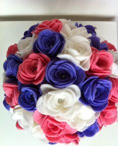 Ramo de fieltro: Rosas lilas, blancas y rosas