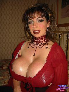 Starfire hot sexy naked boobs