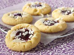 white chocolate raspberry cheesecake cookies!  yum!